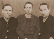 первые учителя Мунирова Е.Ф., Панкова Г.И, Панова В.Г.